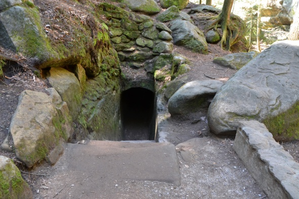 10-Old_Mans_Cave-2013-04-22