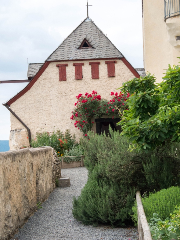 Marksburg_castle-2014-08-03-16-sm
